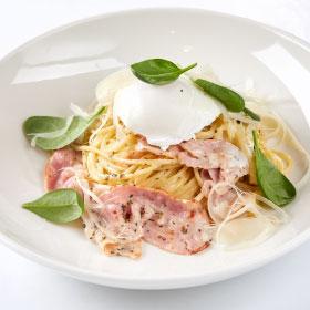 Паста Карбонара с яйцом пашот,Спагетти